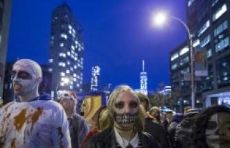 New York'ta Cadılar Bayramı yürüyüşü