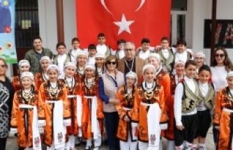 Vadili İlkokulu Bahar Şenliği, Cumhurbaşkanı Mustafa Akıncı ve eşi Meral Akıncı'nın katılımıyla gerçekleştirildi