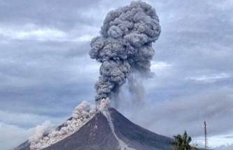 ENDONEZYA'DAKİ SANGEANG APİ YANARDAĞI FAALİYETE GEÇTİ