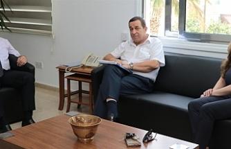 MALİYE BAKANI DENKTAŞ, HAVA TRAFİK KONTROLÖRLERİ DERNEĞİ BAŞKANI DERKAN'I KABUL ETTİ