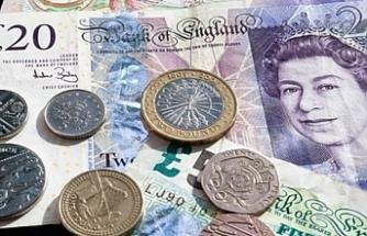 İngiliz sterlini istifalarla değer kaybediyor