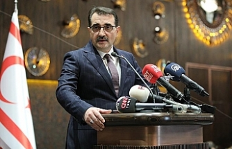 """Türkiye Enerji Bakanı: """"Türkiye'nin onay vermediği hiçbir projeye izin vermeyeceğiz"""""""