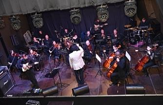 Bandabuliya Sahnesi'nde Rock Gecesi gerçekleştirdi