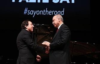 Erdoğan, ünlü besteci ve piyanist Fazıl Say'ın konserini izledi