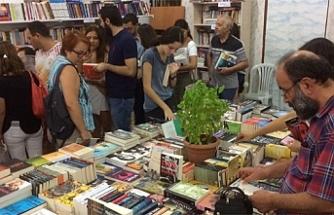 Kitaplardaki yüzde 5'lik KDV'nin kaldırılması talep edildi