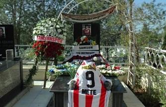 Samsunspor'un 30 yıllık acısı... Futbol şehitleri törenle anıldı