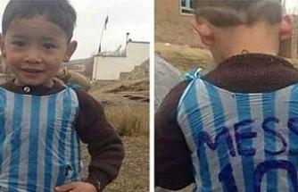 'Poşet formalı Messi'nin annesi konuştu: Hayatımız mahvoldu, Taliban peşimizde