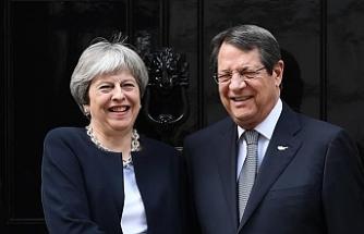"""Telefona """"Brexit"""" sonrasını konuştular"""