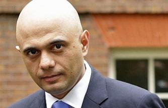 İngiltere'de 5 camiye balyozla saldırı