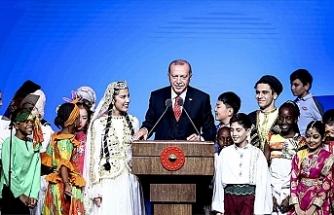 """Erdoğan: """"Dünyayı güzelleştiren yegane şey çocukların tebessümüdür"""""""