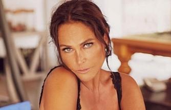 55 Yaşındaki Hülya Avşar, güzelliğiyle genç kızları kıskandırdı