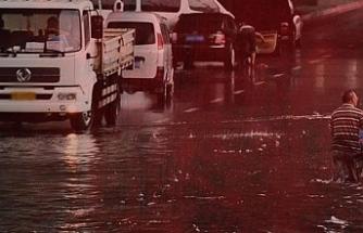 ABD'yi vuran fırtına ve şiddetli yağış can aldı