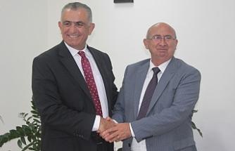 Nazım Çavuşoğlu Eğitim Bakanlığı'nı devraldı