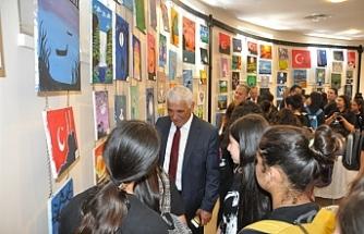 Güzelyurt Şehit Turgut Ortaokulu'nun yıl sonu sergisi bugün Güzelyurt Kapalı Çarşı'da açıldı
