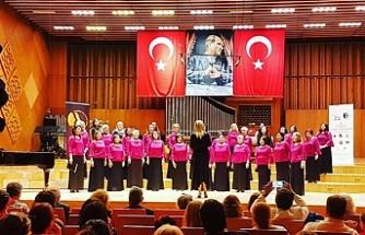 """""""Seslerin Özgürlüğü Kadınlar Korosu"""", Ankara'da katıldığı 24.Türkiye Korolar Şenliği'nde konser verdi"""