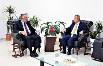 Bakan Çavuşoğlu, Kıbrıs Türk Sanayi Odası'nı kabul etti