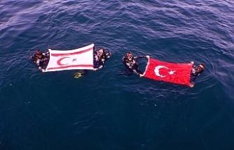 """Barış Harekatı'nın 45. yılında batık uçak """"Gazi""""ye dalış yaptılar"""