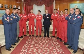 """""""Hava savunmasında her zaman ve her koşulda yardıma gelen Türk pilotlarını takdirle anıyorum"""""""