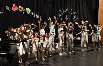 Lefkoşa Belediye Orkestrası Çocuk Korosundan konser