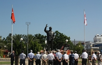 Merhum Bülent Ecevit, Lefkoşa'da düzenlenen törenle anıldı