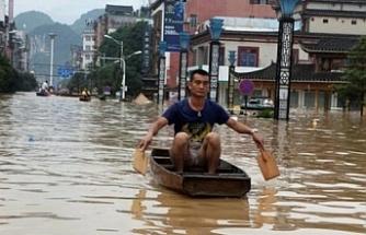 Çin'de sellerde en az 200 kişinin hayatını kaybetti
