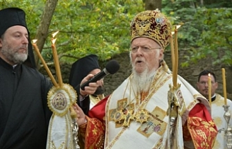 Fener Rum Patriği Bartholomeos Erdek'te ayin yönetti