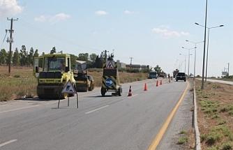 Fuar Alanı kavşağı ile Yılmazköy kavşağı arasındaki yolda onarım tamamlanıyor