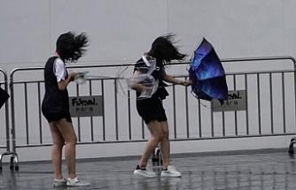 Krosa tayfunu nedeniyle 3 kişinin öldü