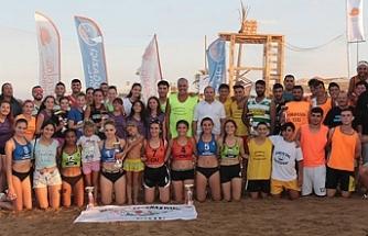 Pulya festivalinde Plaj Hentbol Turnuvası heyecanı