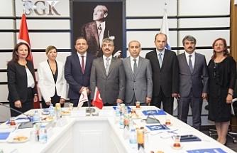 Çalışma ve Sosyal Güvenlik Bakanlığı yetkililerinden Ankara'da temaslar
