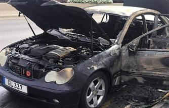 Seyir halindeki araç yandı