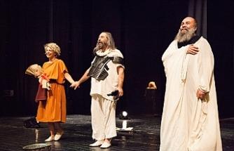 """""""Sokrates'in Son Gecesi"""" oyunu sahnelendi"""