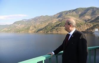 Başbakan'dan Anamur'da temaslar