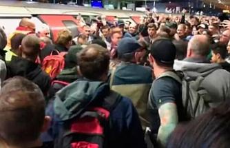 Londrada yolcular çevrecileri dövdü