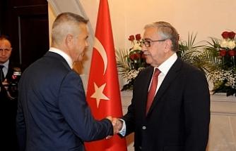 Akıncı, 15 Kasım Cumhuriyet Bayramı dolayısıyla Cumhurbaşkanlığı'nda tebrik kabul etti