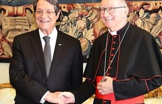 Çavuşoğlu'na Vatikan'dan cevap verdi