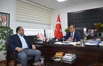 Sucuoğlu, Kıbrıs Türk Otelciler Birliği Başkanı Çağıner'i kabul etti