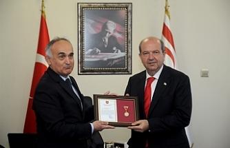 Türk Silahlı Kuvvetleri Güçlendirme Vakfı'ndan Tatar'a altın madalya