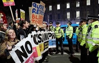 Londra'da Johnson protestosu