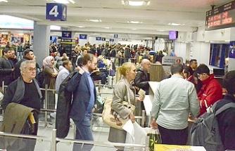 Sahte seyahat belgeleriyle yakalandılar