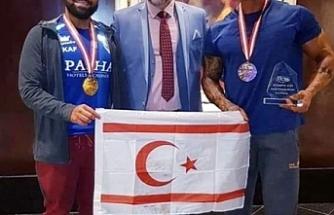 Taçoy, başarılı sporcuları kutladı