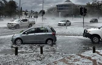 Avustralya'yı yangınların ardından toz fırtınası, dolu ve sel vurdu