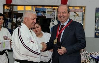 Tatar, ödül törenine katıldı