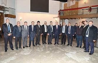 Tatar,  üst düzey yönetici ve bürokratlarla bir araya geldi