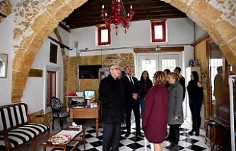 Akıncı, Lefkoşa'daki iki butik oteli ziyaret etti