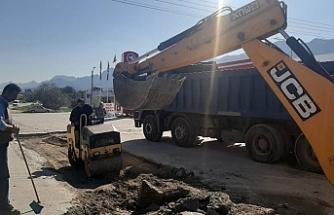 Alsancak Karaoğlanoğlu Caddesi'ndeki çökmeler onarıldı