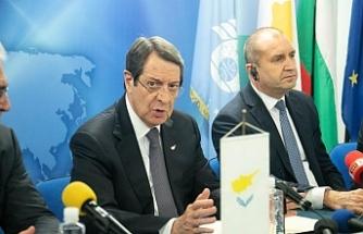 Anastasides'in Bulgaristan temasları sürüyor