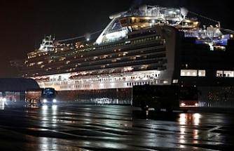 Avustralya karantina gemisindeki vatandaşlarını tahliye ediyor