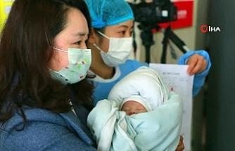 Koronavirüsün en küçük mağduru 350 saatlik savaşı kazandı
