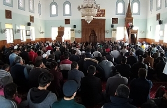 Şehit Mehmetçikler için  tüm camilerde Kur'an-ı Kerim okundu, dua edildi